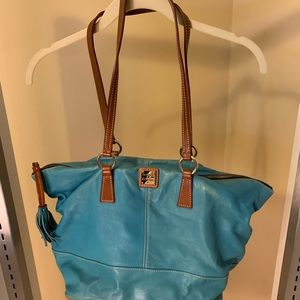 Dooney & Bourke Shoulder Bag/Tote